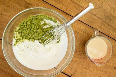 Phương pháp giảm cân bằng sữa chua và bột trà xanh