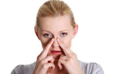 Va chạm nhẹ sau khi nâng mũi có sao không