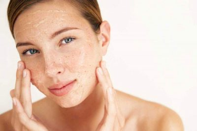 Cách làm dịu da mặt bị khô sần và ngứa