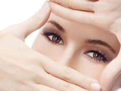 Nháy mắt trái liên tục có thể do các bệnh lý về mắt