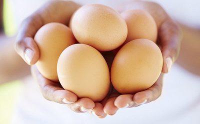 Trứng gà có chữa hôi nách không?